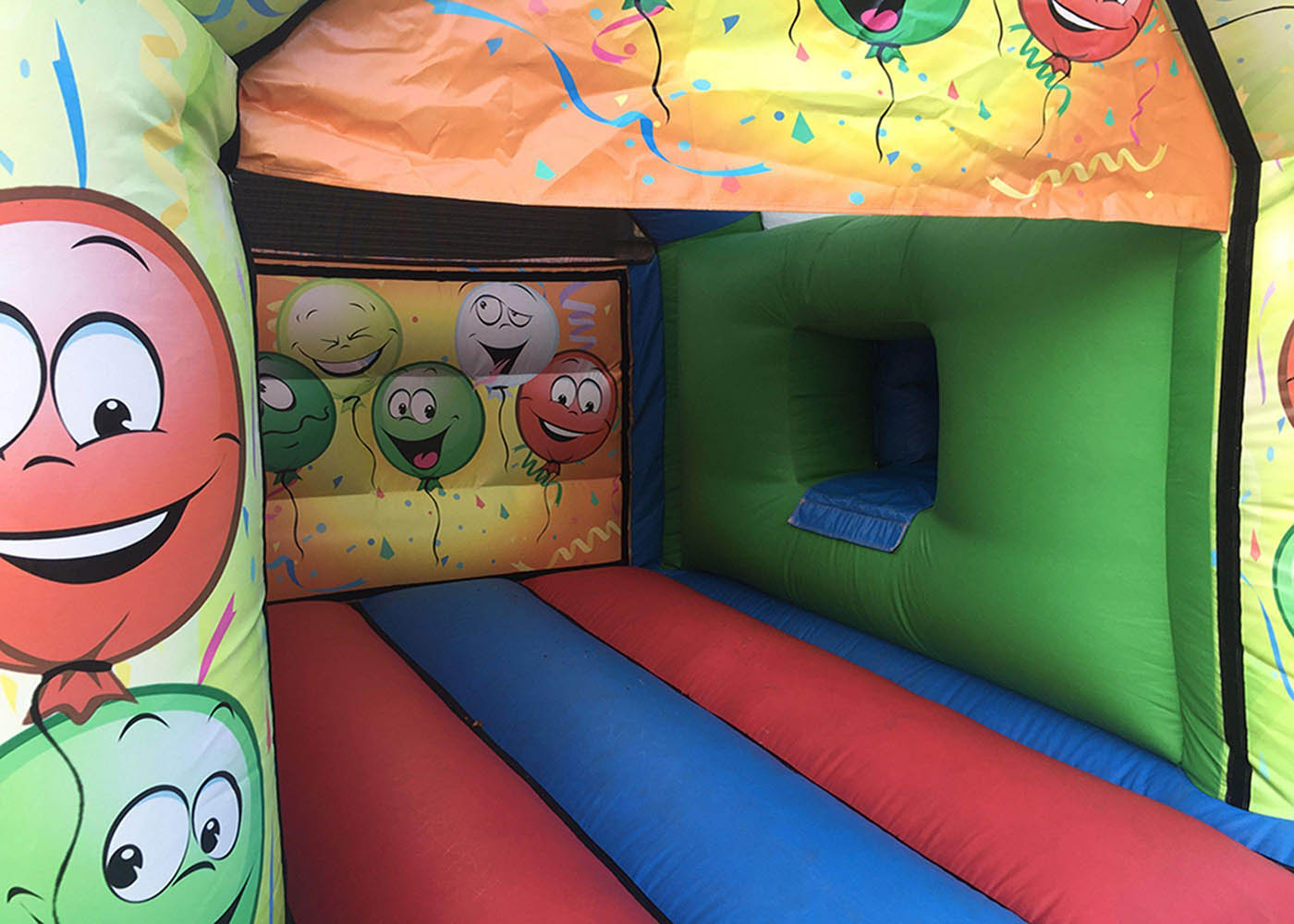 17x15-premier-bounce-happy-balloon-party-combi-compressor
