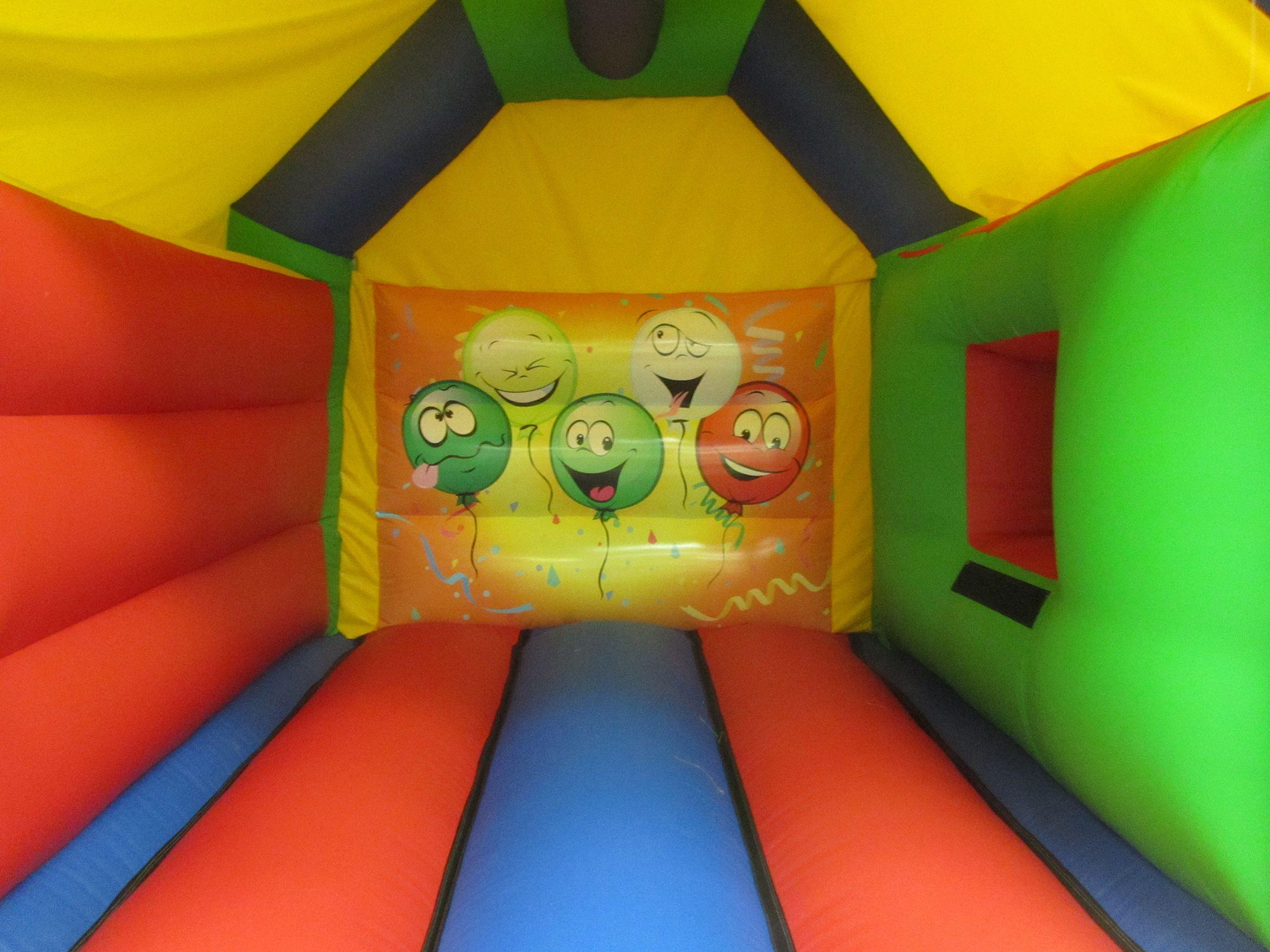 17x15 smiley face combi bouncy castle bw compressor