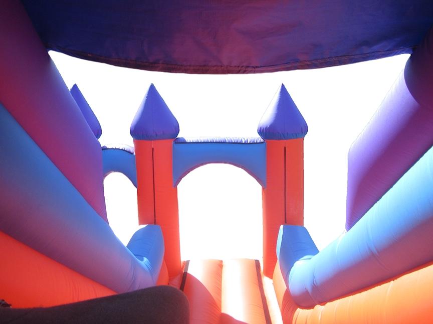 Inflatable-party-turret-top-slide-inner-compressor